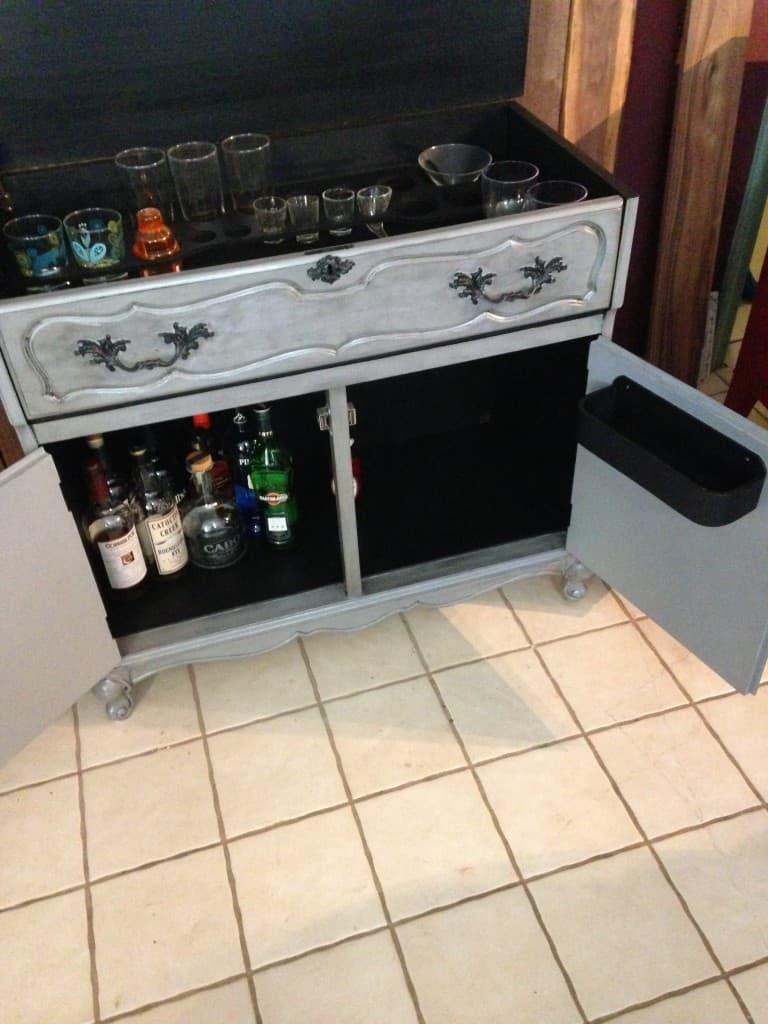 sxs fp dry bar inside open
