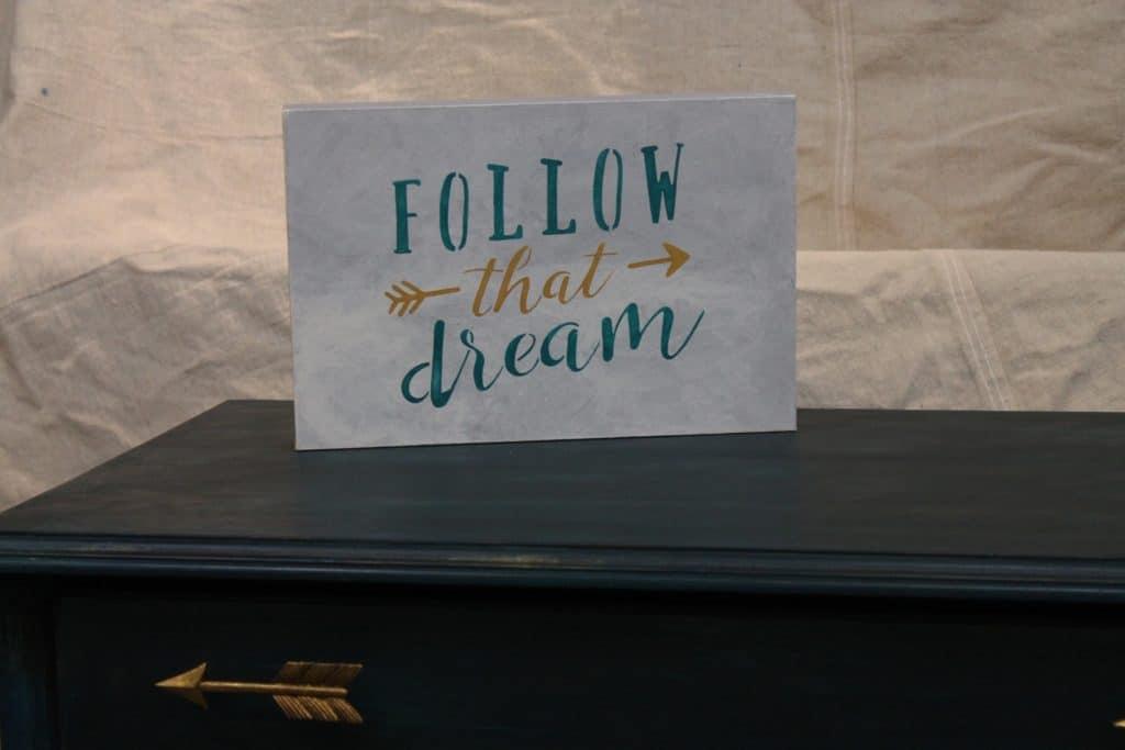 SxS follow that dream sign