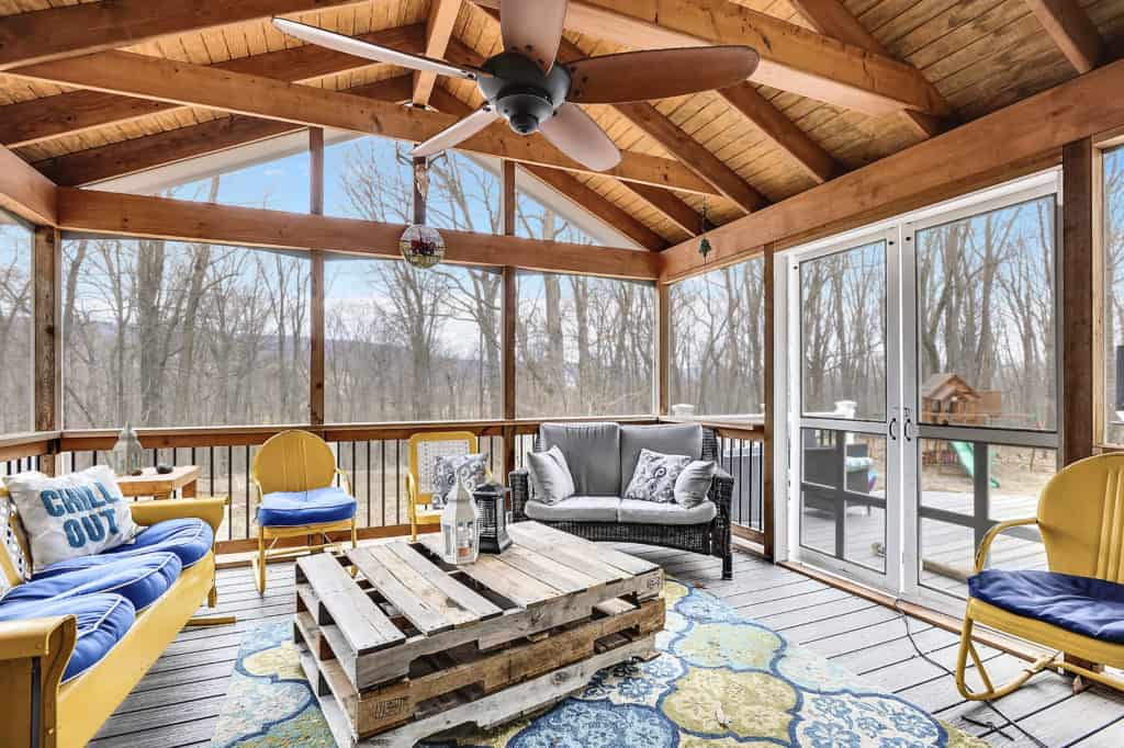 Saved by Scottie Love it screened porch