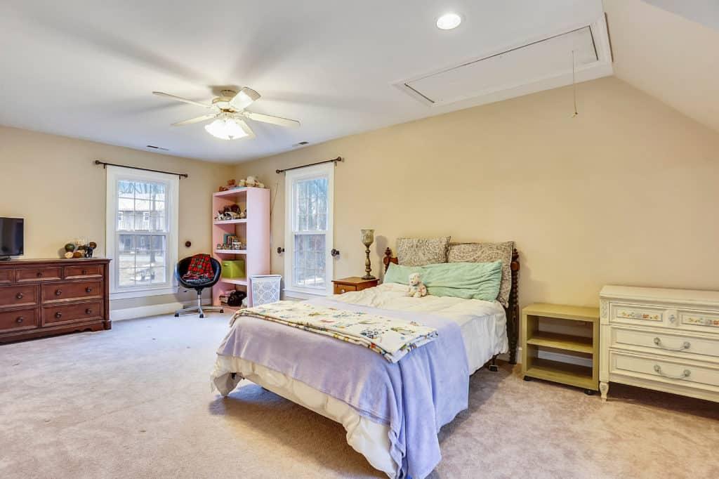Saved by Scottie Love it teen bedroom