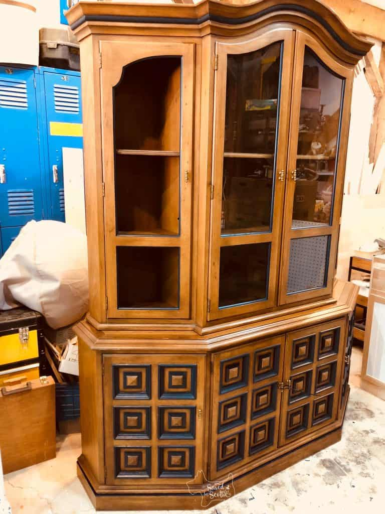 china cabinet painted with out the front edge painted.