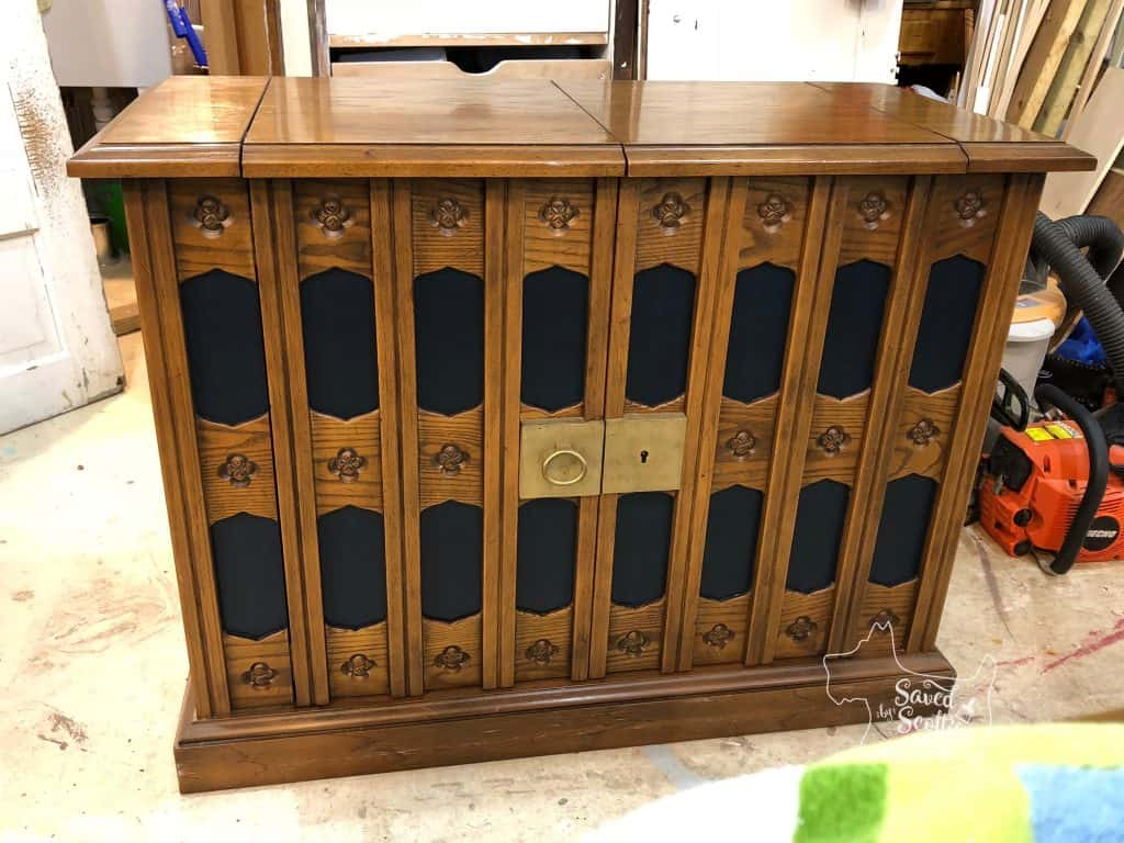 front view of painted dining set server complete